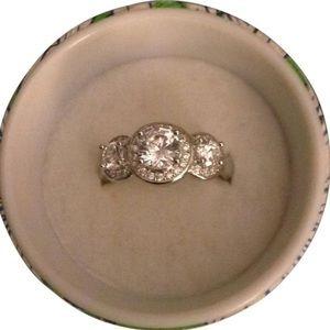 Jewelry - Silver tone CZ cocktail ring sz 7
